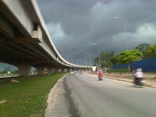 Dự báo thời tiết ngày mai 12/11: Mưa dông rải rác trên cả nước - Ảnh 1