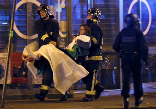 Lập đường dây nóng tiếp nhận thông tin người Việt trong vụ khủng bố tại Pháp - Ảnh 1
