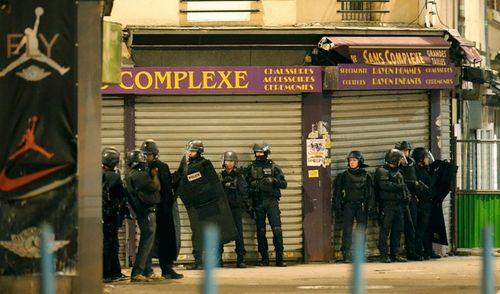 Đấu súng tại Paris: Bắt giữ 7 kẻ khủng bố - Ảnh 5