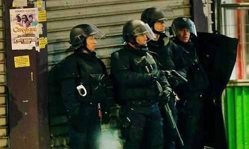Đấu súng tại Paris: Bắt giữ 7 kẻ khủng bố - Ảnh 6