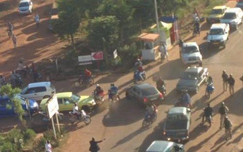 Tấn công khách sạn ở Mali: Khủng bố nhận trách nhiệm - Ảnh 6