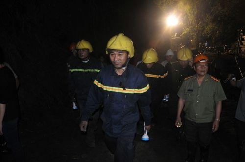 Vụ sập mỏ than Hòa Bình: Vẫn đang nỗ lực tìm kiếm thi thể 2 nạn nhân - Ảnh 1