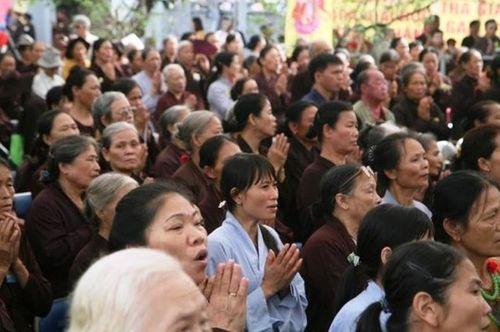 Hơn 8.000 người làm lễ cầu siêu cho các nạn nhân tử vong vì TNGT - Ảnh 3