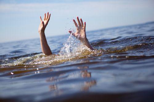 """Chết đuối vì nhảy sông mừng vợ mang thai """"quý tử"""" - Ảnh 1"""