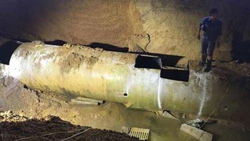 Đường ống sông Đà bị vỡ lần thứ 18 - Ảnh 1