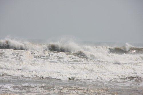 Dự báo thời tiết hôm nay 13/7: Vùng biển mưa dông - Ảnh 1