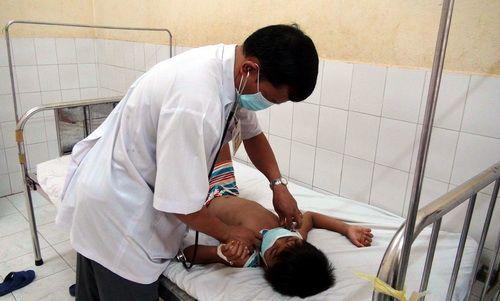 Khẩn cấp chuyển 10.000 liều vắc xin vào ổ dịch bạch hầu Bình Phước - Ảnh 1