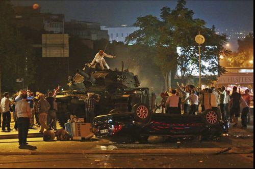Chân dung kẻ âm mưu đảo chính quân sự tại Thổ Nhĩ Kỳ - Ảnh 2