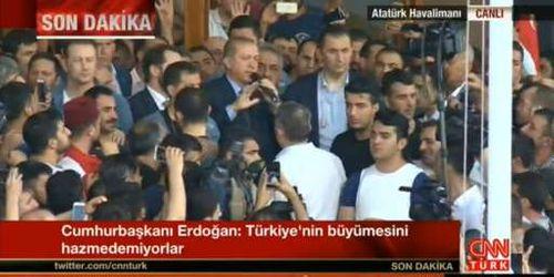 Quân đội Thổ Nhĩ Kỳ đảo chính, hơn 190 người chết - Ảnh 2