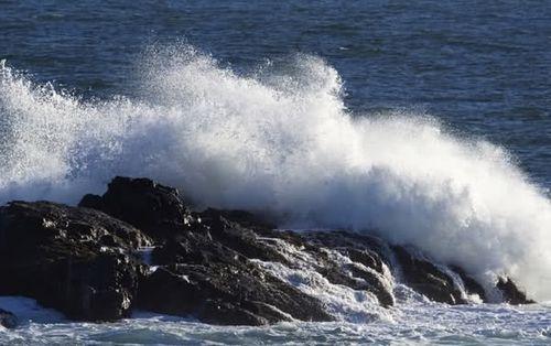 Dự báo thời tiết ngày mai 19/7: Gió mạnh trên vịnh Bắc Bộ - Ảnh 1