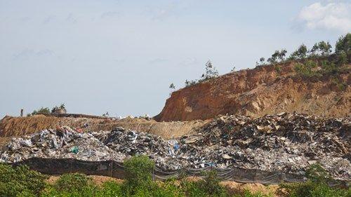 Dân chạy khỏi nhà máy xử lý chất thải của Formosa - Ảnh 2