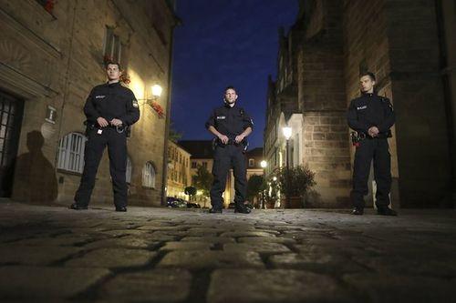 Nổ lớn tại quán bar ở Đức: Nghi tiếp tục khủng bố, 13 người thương vong - Ảnh 2