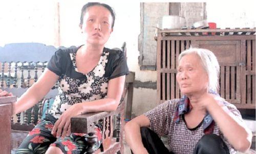 """Vụ chặn xe cứu thương ở BV Nhi TƯ: """"Con tôi chưa xuất viện đã có người lạ...gọi"""" - Ảnh 4"""
