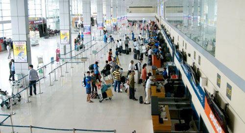 Xử phạt hành khách đi máy bay bằng giấy tờ giả mạo - Ảnh 1