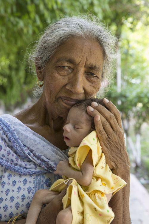 Câu chuyện của bà mẹ 72 tuổi bất chấp tính mạng để sinh con - Ảnh 5
