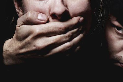 """Vợ nhận kết cục """"đắng"""" vì giả bị bắt cóc để thử lòng chồng - Ảnh 1"""