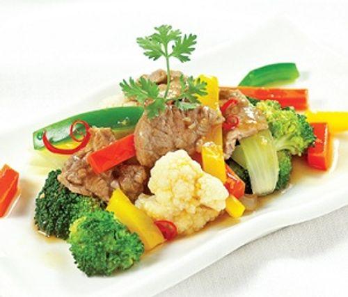 Bữa cơm tối Trung thu ngon miệng với thịt bò xào rau củ thơm nức - Ảnh 2