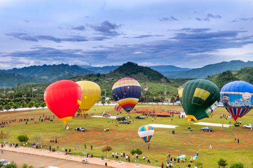 Ngắm cao nguyên Mộc Châu từ Khinh khí cầu Vietjet - Ảnh 3