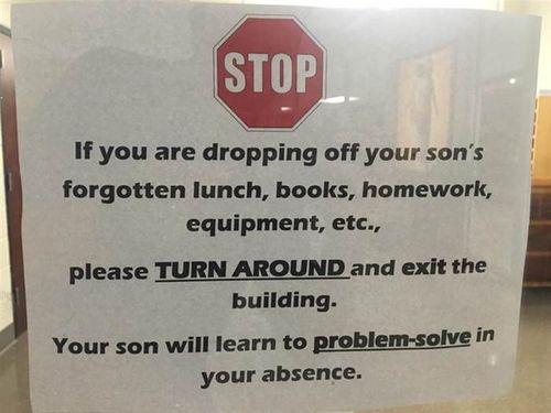 Nếu con quên sách vở bút viết ở nhà, bố mẹ hãy rời trường và đi làm ngay! - Ảnh 1