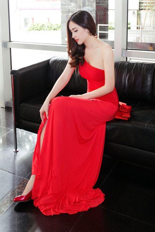 Ngẩn ngơ trước vẻ đẹp không tỳ vết của Hoa hậu Mai Phương Thúy - Ảnh 4