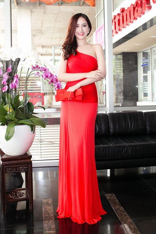 Ngẩn ngơ trước vẻ đẹp không tỳ vết của Hoa hậu Mai Phương Thúy - Ảnh 2