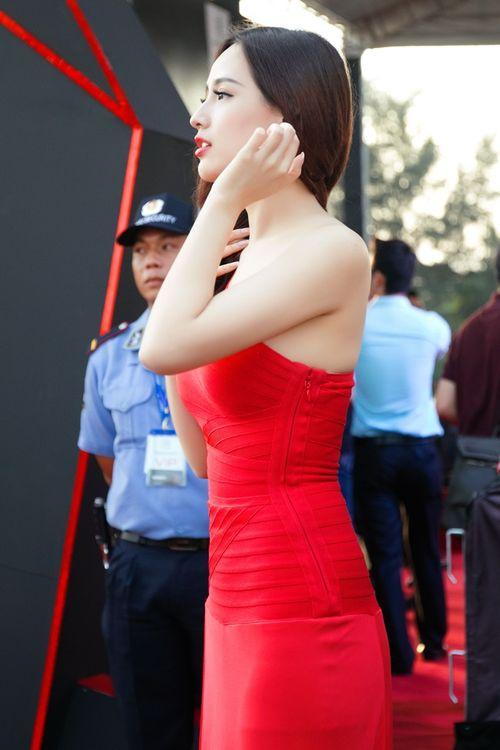 Ngẩn ngơ trước vẻ đẹp không tỳ vết của Hoa hậu Mai Phương Thúy - Ảnh 6