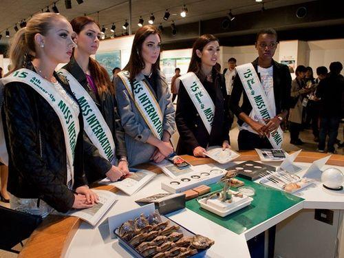 Thúy Vân dạo chơi Nhật Bản cùng Top 5 Hoa hậu Quốc tế - Ảnh 4