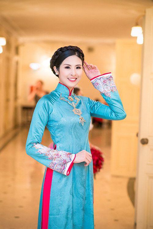 Bí mật đằng sau bộ sưu tập áo dài của Hoa hậu Ngọc Hân - Ảnh 1