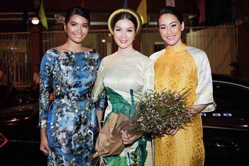 Hoa hậu hoàn vũ Philippines 2012 diện áo dài tới thăm MC Thanh Mai - Ảnh 2