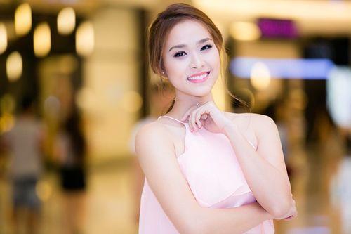 """Diễn viên chân dài nhất Showbiz Diệp Bảo Ngọc: """"Sống an toàn để bảo vệ con"""" - Ảnh 1"""