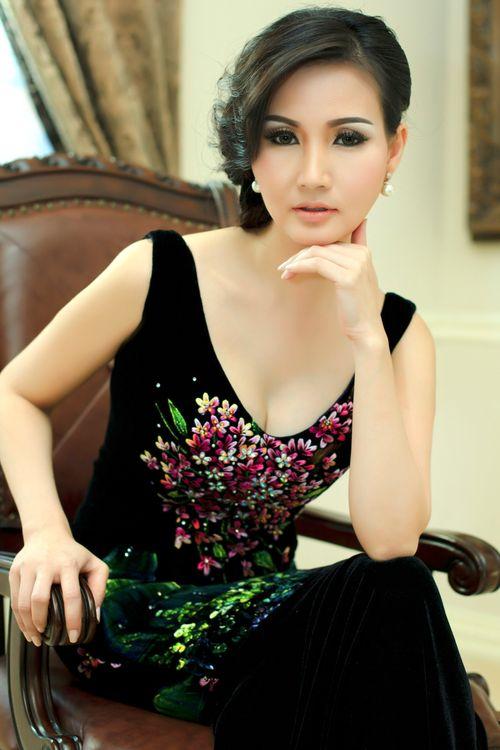 Hoa hậu quý bà Việt Nam thế giới 2016 được tặng xe hơi bạc tỷ - Ảnh 2