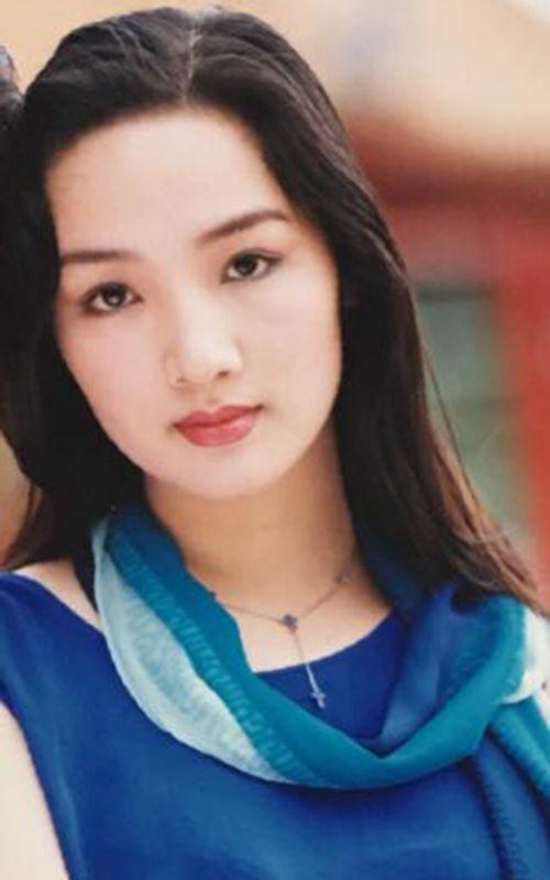 """Facebook sao: Elly Trần sexy """"nghẹt thở"""", Quế Vân ám chỉ mẹ HH Kỳ Duyên bênh con - Ảnh 7"""