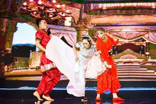 """Làng hài mở hội tập 11: Huỳnh Tiến Khoa bị """"đốt cháy"""" ngay trên sân khấu - Ảnh 10"""