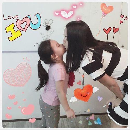 """Facebook sao: Elly Trần khoe vòng 3 """"khủng"""", Tăng Thanh Hà như quý cô sành điệu - Ảnh 10"""