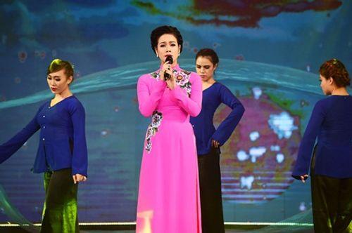 Trương Quỳnh Anh khoe khả năng nhảy điêu luyện trên sân khấu - Ảnh 2