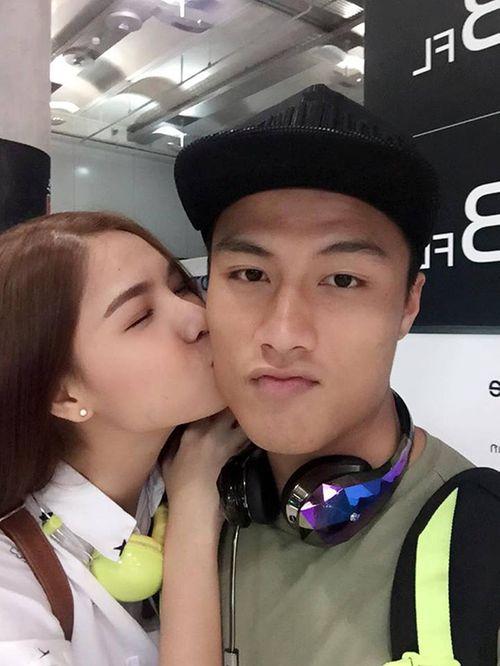 Facebook sao: Tim quỳ gối đi giày cho vợ, Hạ Vi tiết lộ bí kíp có vòng 2 đẹp - Ảnh 9