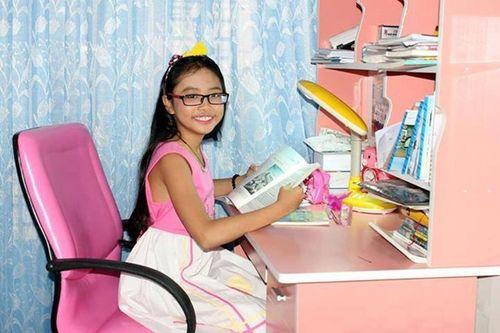 """Phương Mỹ Chi: Từ """"cô bé dân ca"""" tới """"công chúa nhỏ"""" ngao du khắp chốn - Ảnh 3"""