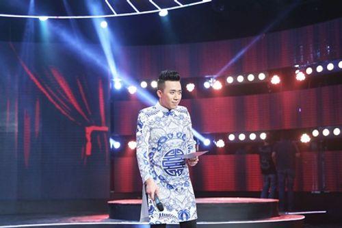Làng hài mở hội: Trấn Thành xài xể Việt Hương xài túi xách rẻ tiền - Ảnh 1