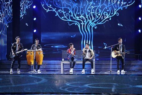Liveshow 6 The X-Factor: Bộ tứ HLV tranh cãi trước hit mới của giọng ca 17 tuổi - Ảnh 1