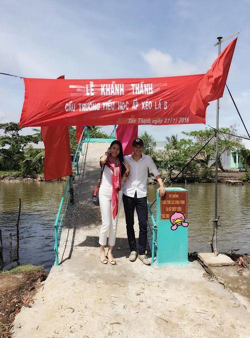 Facebook sao: Thủy Tiên xây cầu từ thiện, MC Kỳ Duyên khoe ảnh bố mẹ - Ảnh 12