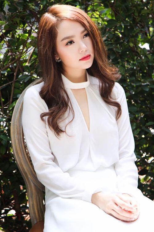"""Facebook sao: Hari Won, Trấn Thành rủ nhau đi du lịch, Mỹ Tâm """"selfie"""" xinh đẹp - Ảnh 10"""