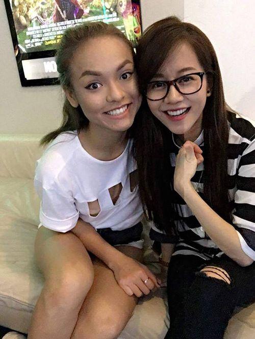 """Facebook sao: Bà Tưng khoe vòng 1 """"trứ danh"""", Phạm Hương thân thiết với Lan Khuê - Ảnh 7"""