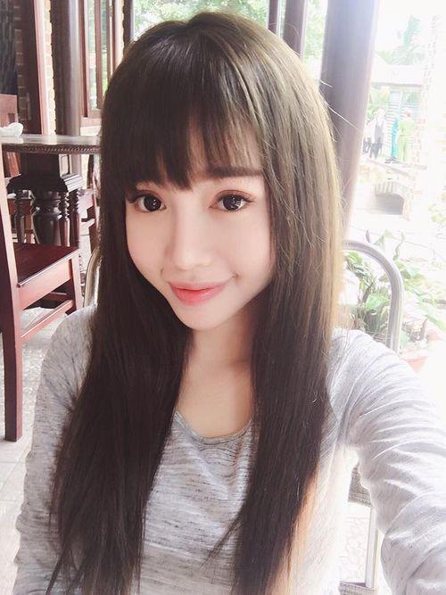 Facebook sao: Hạ Vi - Ngô Thanh Vân đọ sắc, Vy Oanh khoe vòng một lấp ló - Ảnh 8