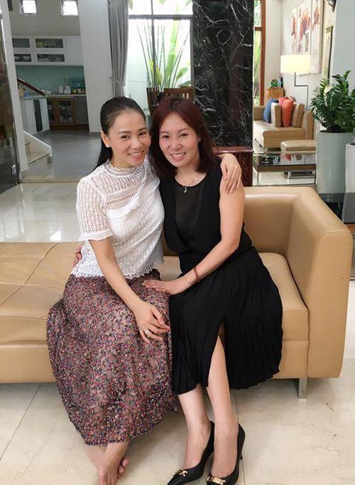 Facebook sao: Hà Tăng lộ ảnh gầy gò, Thủy Tiên kể về lần đầu tiên gặp Công Vinh - Ảnh 9