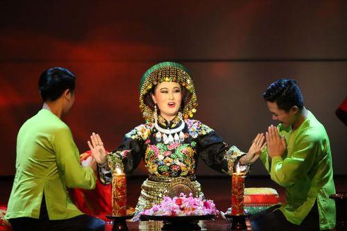 """Khán giả Sài thành """"Lên Đồng"""" cùng """"Tứ Phủ"""" - Ảnh 3"""