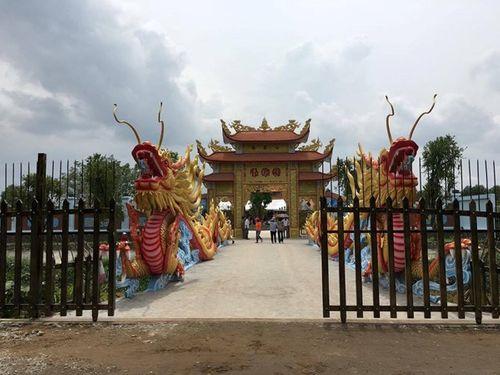 Nhà thờ tổ 100 tỷ của NSƯT Hoài Linh chính thức mở cửa - Ảnh 1