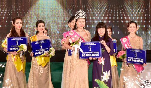 """Lý Thị Hiếu Thục đăng quang """"Người đẹp Xứ Tuyên"""" năm 2016 - Ảnh 3"""