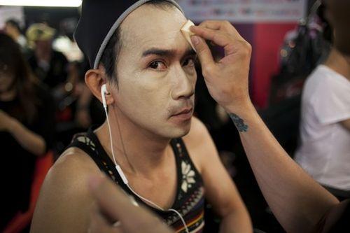 Nhìn lại những hình ảnh đáng nhớ về Minh Thuận trong sự nghiệp nghệ thuật - Ảnh 13