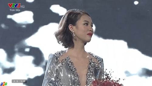 Chung kết The Face - Gương mặt thương hiệu 2016: Phí Phương Anh là quán quân - Ảnh 1
