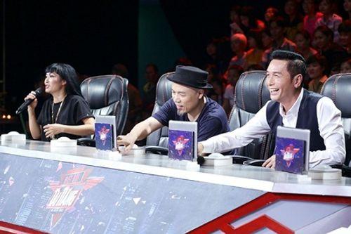 """Biệt đội tài năng bán kết 3: Nguyễn Hưng """"rửa mắt"""" khán giả khi vừa hát vừa nhảy - Ảnh 1"""